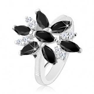 Ligotavý prsteň striebornej farby, čierno-číry zirkónový kvet, lesklé ramená - Veľkosť: 49 mm