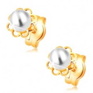 Náušnice zo žltého 14K zlata - vyrezávaný kvietok, biela perla