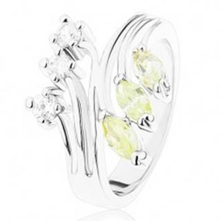 Prsteň s lesklými rozvetvenými ramenami, číre a svetlozelené zirkóny R41.21 - Veľkosť: 49 mm