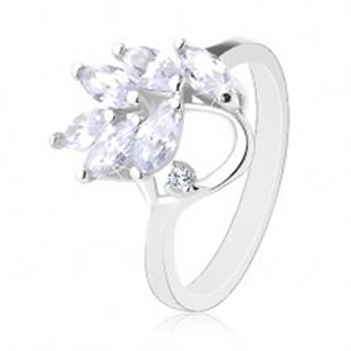 Prsteň v striebornej farbe, brúsené zirkónové lístočky čírej farby - Veľkosť: 49 mm