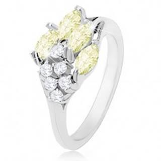 Prsteň v striebornom odtieni, ligotavé zirkóny čírej a svetlozelenej farby - Veľkosť: 50 mm