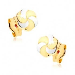 Zlaté náušnice 375 - dvojfarebné kvietky s gravírovanými lupeňmi