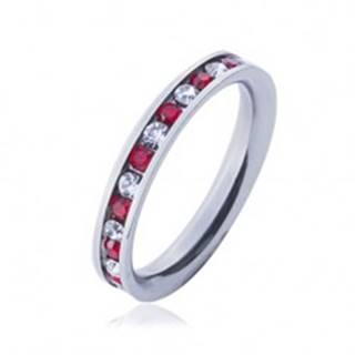Oceľový prsteň - obrúčka, striedajúce sa číre a červené zirkóny - Veľkosť: 49 mm
