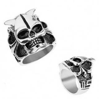 Oceľový prsteň striebornej farby, lebka s rohmi, srdce, guličky, hranaté línie T18.15 - Veľkosť: 56 mm