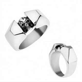 Oceľový prsteň striebornej farby, lesklé a zbrúsené ramená, patinovaná lebka - Veľkosť: 56 mm