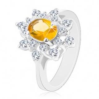 Prsteň v striebornej farbe, ligotavý kvet zo zirkónov žltej a čírej farby - Veľkosť: 49 mm