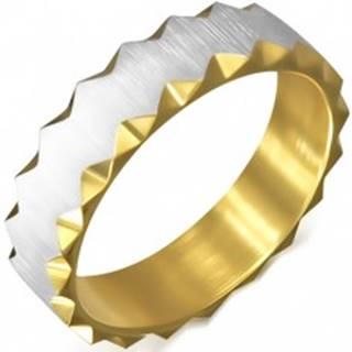 Oceľový prsteň zlatej farby so saténovým pásom, trojuholníkové výrezy - Veľkosť: 51 mm