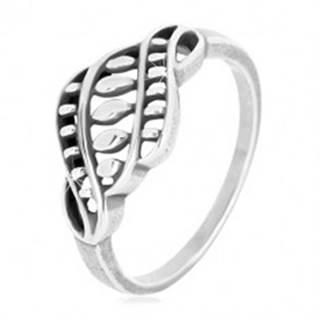 Strieborný prsteň 925 - úzke ramená, vyrezávaný ornament so zrniečkami a patinou - Veľkosť: 49 mm
